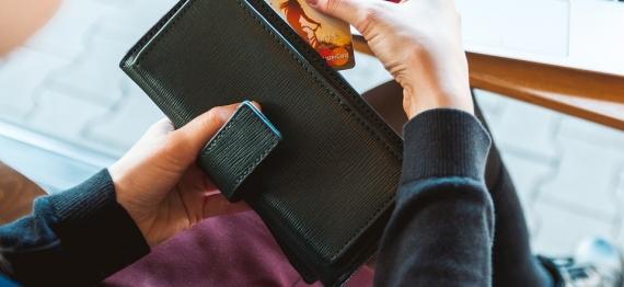 wallet-2125548_960_720.jpg